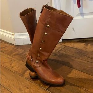 Brown high leather boots